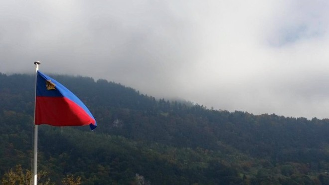 Liechtensteins flagga (Foto: Leonard Jägerskiöld Nilsson)